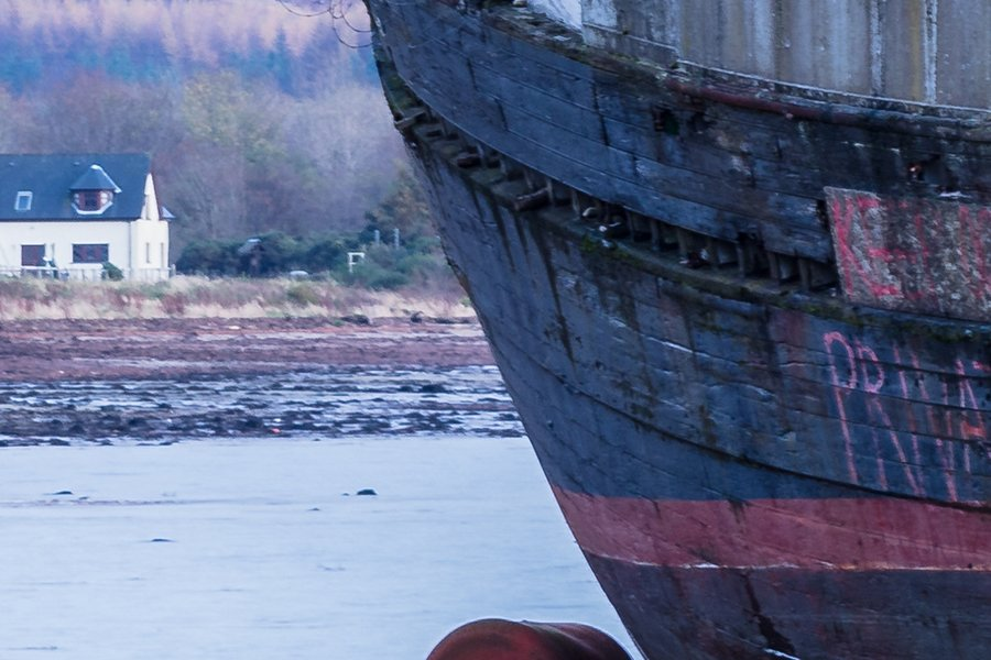 Corpach Wreck Ben Nevis Zoomed in to 100% Detail